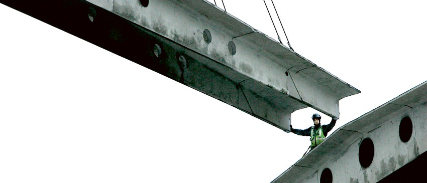 """""""Lönedumpningen är påtaglig när utländsk arbetskraft arbetar i Sverige. Just nu finns inget stopp i den sociala dumpningen, menar Svenska bygg- och träfackens EU-sekreterare Åsa Törnlund. Foto: Tomas Nyberg"""