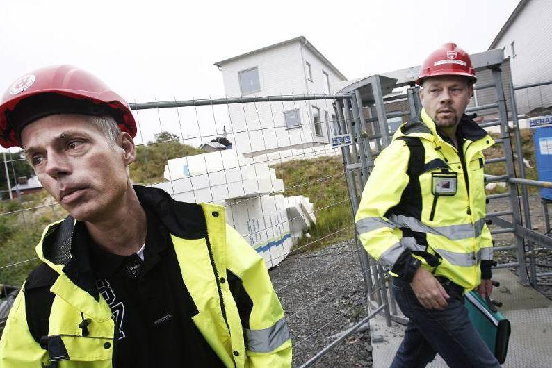 Jan-Ove Berg och Magnus och Magnus Söderström på arbetsplatsbesök för att informera om fördelarna med att vara fackansluten. Foto: Tomas Nyberg