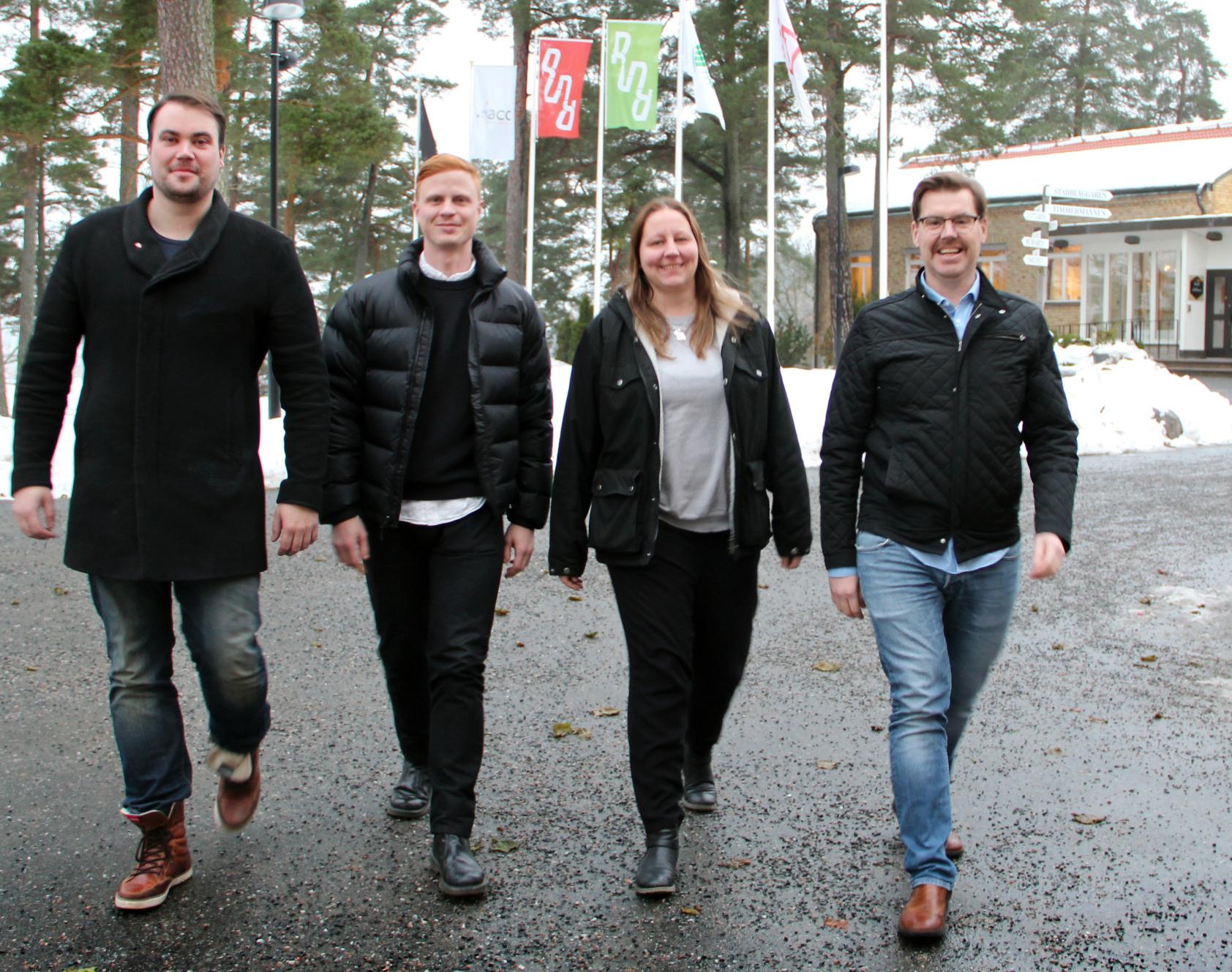 Fyra målare som har utbildat sig till ombudsmän. Anders Andersson, Kristina Norlin, Joakim Blomqvist och Robin Johansson. Foto: Helena Forsberg