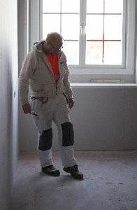 Klas Forsberg skrapar med foten på golvet