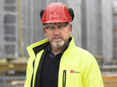 Porträttbild av Johan Lindholm