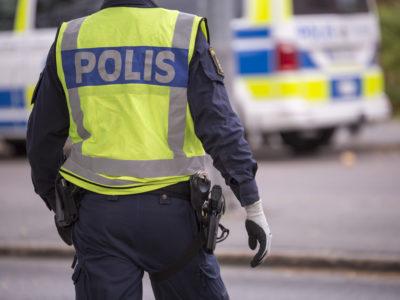 En uniformerad polis