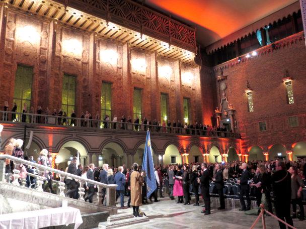 Överblicksbild på samlingen i stadshuset.