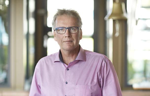 Porträttbild på Mikael Johansson