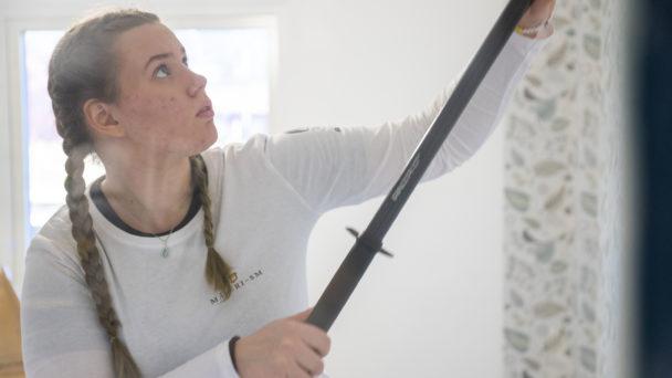 Rebecca Ringstad målar