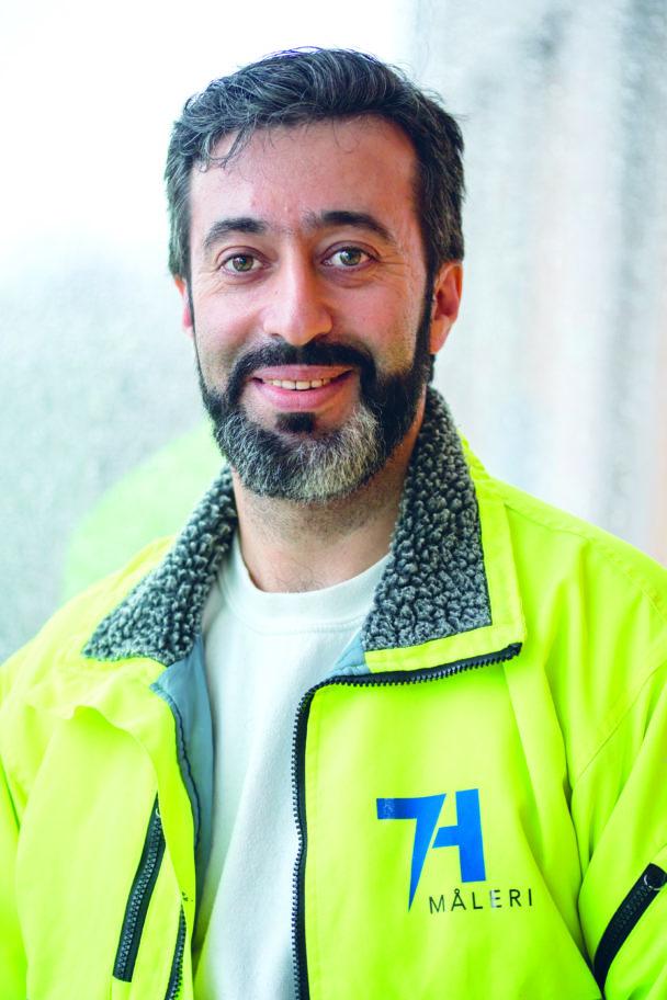 Mohamad Hamid i gul jacka