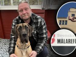 Conny Andersson och en stor hund sitter på en veranda. Bilder på Målareförbundets logga och LO-borgen är monterade över.