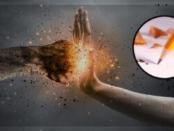 Gnistor slår upp när en höjd hand hindrar en knytnäve