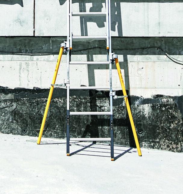 En stege med två gula säkerhetsben anslutna