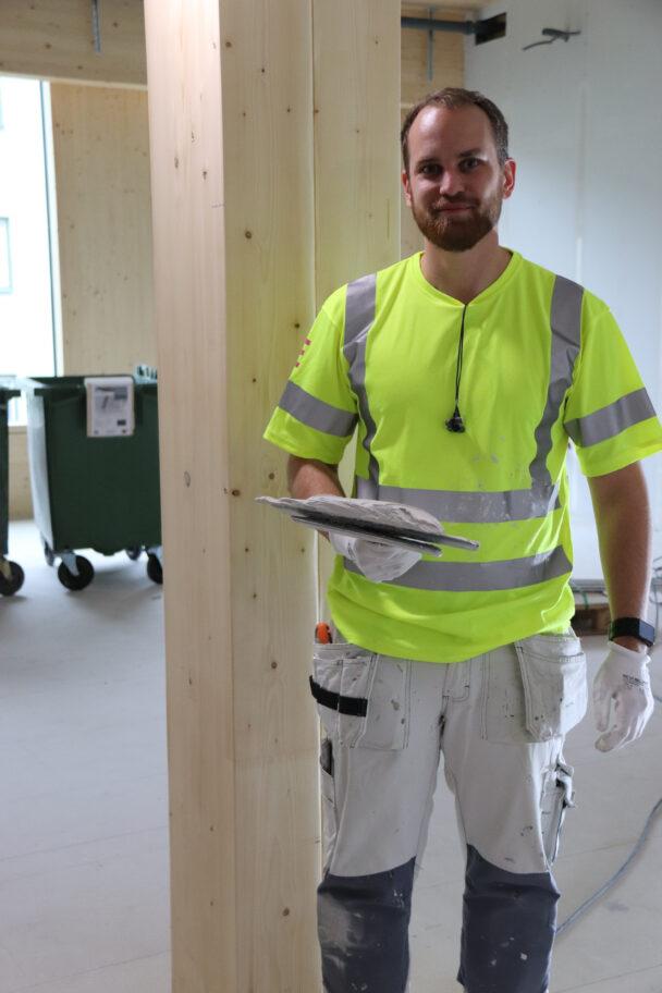 Micke Dahlin på arbetsplatsen
